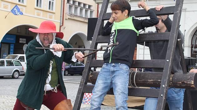 Program k výročí udělení privilegií na náměstí Svobody v Žatci.