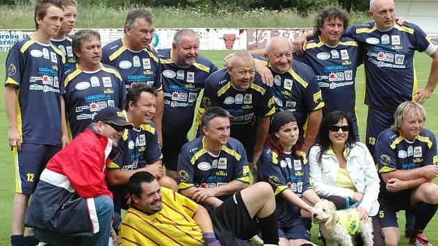 Arabela Team složený z umělců a známých sportovců