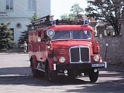 Dobrovolní hasiči z Hřivic se hodně věnují dětem. Po prázdninách s nimi opakovali teorii s ukázkami výstroje hasičů.