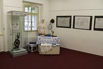 V Křížově vile začala výstava Šikovné ruce našich babiček.