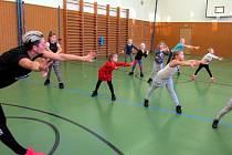 Malí tanečníci při tréninku v Žatci