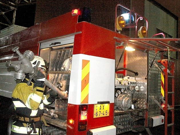 Noční cvičení hasičů v Elektrárně Počerady