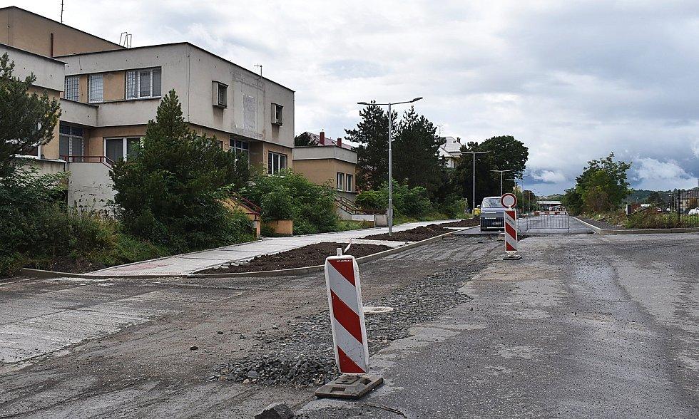 Rekonstrukce Purkyněho ulice u hlavního vlakového nádraží v Žatci.