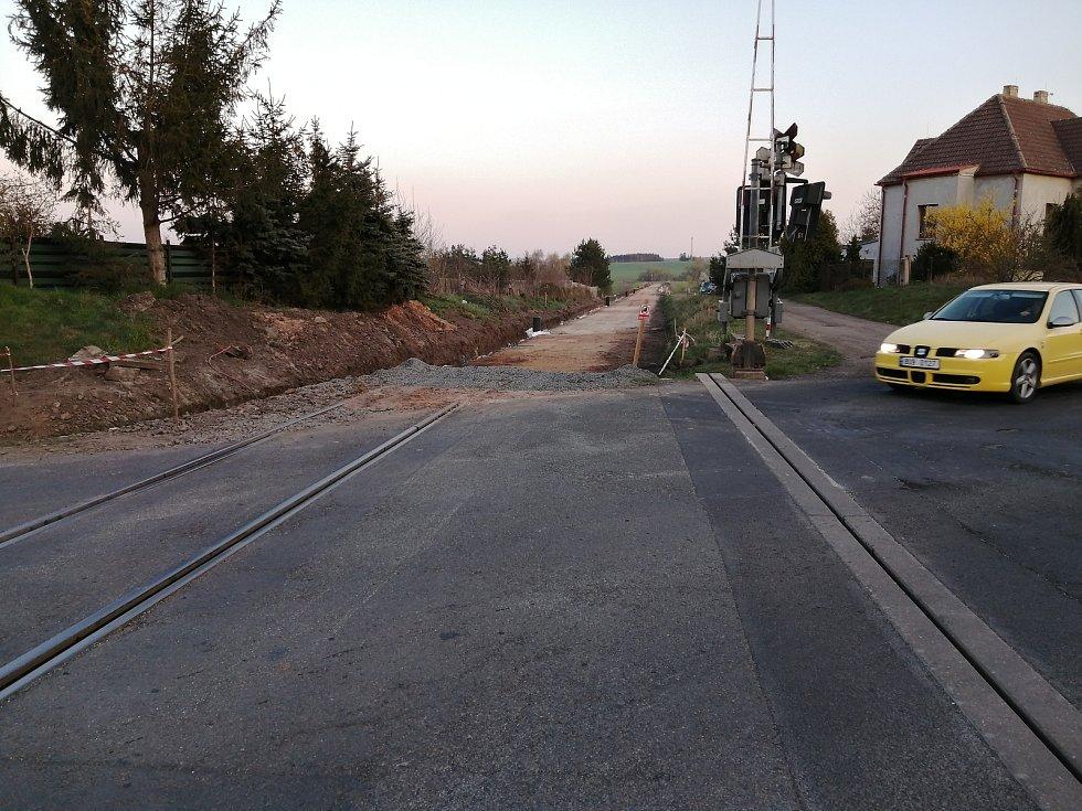 Mezi Kryry a Vroutkem probíhá rozsáhlá oprava železniční trati