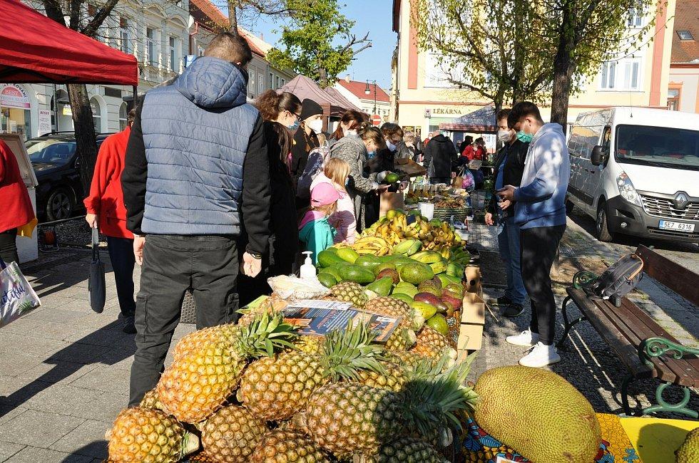 Farmářské trhy v Lounech.