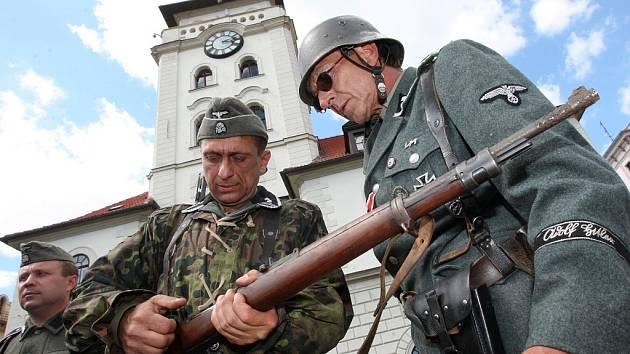 V centru Žatce se uskutečnila ukázka bojů z konce 2. světové války