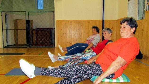 Žatecké ženy rády cvičí. Posilují problematické partie