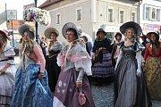 Oslavy a průvod k výročí 150 let lounské ZŠ Komenského