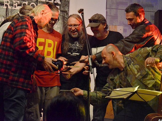 Tři skupiny a tři křty CD ve Stromovce