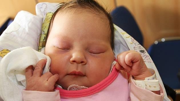 Viktorie Richterová se narodila mamince Michale Richterové z Krásného Dvora 24. září v Kadani. Váha 3,86 kg, míra 52 cm.