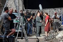 Natáčení německého filmu Žebřík do nebe v ruinách bývalého cukrovaru v Lenešicích u Loun