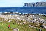 Putování na Knivskjellodden, vpravo nahoře útes Nordkappu
