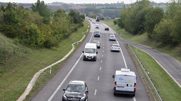 Silnice I/7 u Panenského Týnce v září 2019