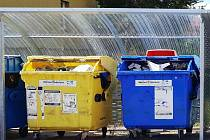 Odpad a plné kontejnery. Ilustrační snímek.