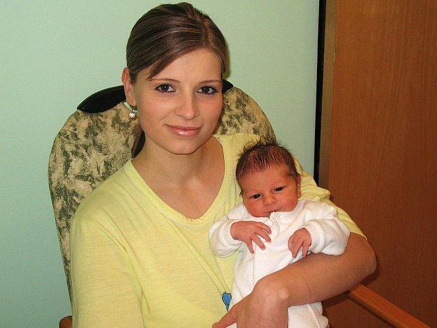 Mamince Veronice Habichové z Lenešic se 17. listopadu narodil syn Martin Tříska. Vážil 3,3 kg, měřil 49 cm.