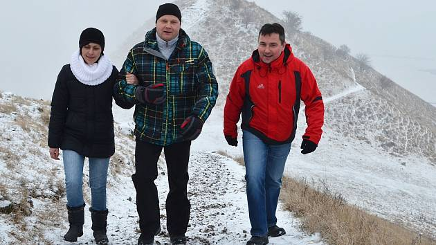 Účastníci novoročního výstupu na vrch Raná