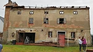 Následky ničivé bouře a tornáda ve Stebně, pátek 25. června