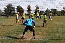 Na podzim doma Buškovice (v zeleném) porazily 5:1 béčko Dobroměřic.
