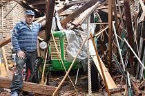 Škody po ničivé bouři ve Stebně na Podbořansku. Pátek 25. června.