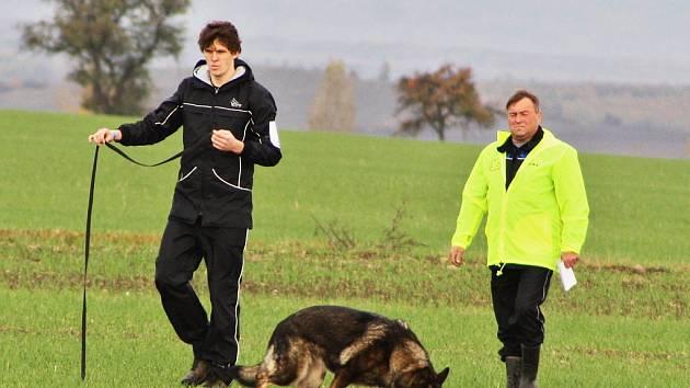 Žatečtí kynologové pořádali republikový šampionát mládeže psů stopařů