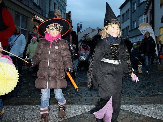 Halloweenský průvod v Lounech