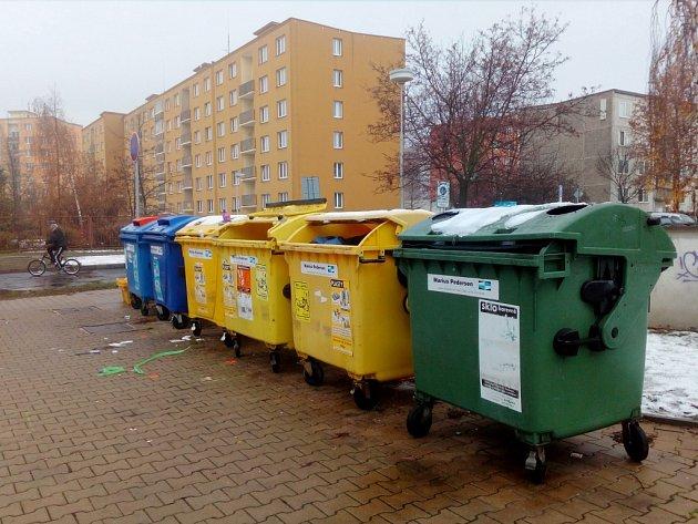Kontejnery naproti žatecké MŠ Alergo na křižovatce ulic Bří Čapků a Družstevní zamíří pod zem.