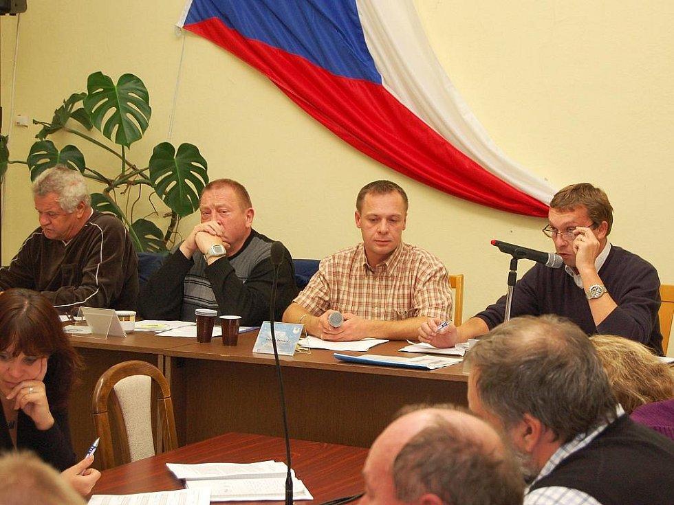 Zasedání zastupitelů v Postoloprtech