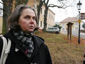 Ředitelka Galerie Benedikta Rejta v Lounech Alica Štefančíková na archivním snímku