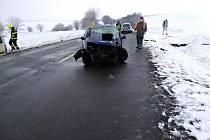 Nehoda tří osobních aut a dodávky u Drahomyšle