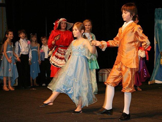 Muzikálová verze pohádky Popelka v podání žáků Taneční školy Luna Louny