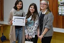 Vítězky letošního 12. ročníku soutěže Kateřina Kozlíková, Adéla Kočinová a Helena Nováčková ze ZŠ J. A. Komenského.