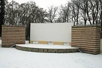 Opravený amfiteátr v Lounech, jak vypadal v lednu 2010