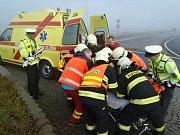 Nehoda na silnici 27 u kruhových objezdů nedaleko průmyslové zóny Triangle. Pondělí 16. října