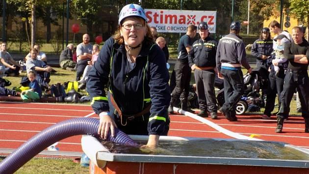 Na atletickém stadionu v Chomutově proběhla závěrečná kola soutěží v požárním sportu Tohatsu Cupu a Stimaxu