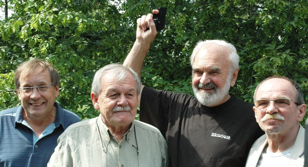 Zdeněk svěrák a jeho přátelé na Běhu pro Paraple. Zleva Alois Náhlovský, Karel Šíp a Jaroslav Uhlíř.