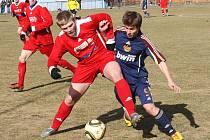 Fotbalové utkání Loun (v červeném) proti Dukle Praha