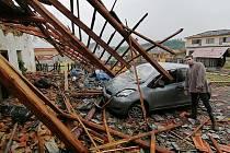 Škody po ničivé bouři ve Stebně na Podbořansku. Pátek 25. června 2021.