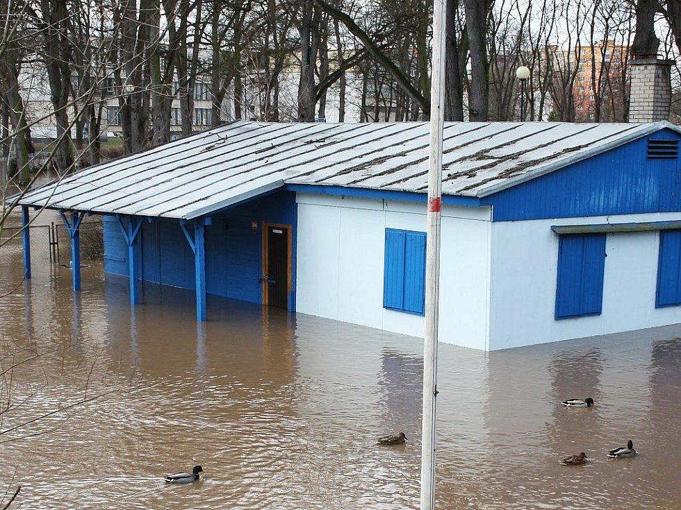 Sobota 15. ledna. Klubovna vodních skautů v Masarykových sadech