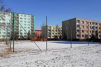 Hřiště v ulici Bratří Čapků na žateckém sídlišti Jih.