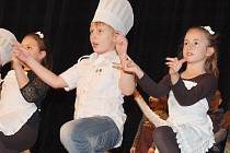 Děti ze žatecké základní školy v ulici Petra Bezruče měly vánoční besídku