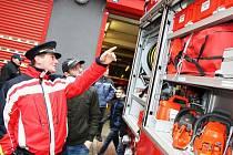 V lednu pokřtili nový vůz dobrovolní hasiči v Postoloprtech. Teď se těší i jejich kolegové z Podbořan