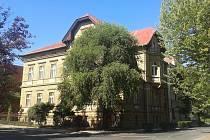 Budova Základní umělecké školy v Žatci.