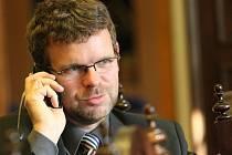 Jan Kerner, kandidát na senátora a starosta Loun, těsně po zveřejnění celkových výsledků voleb.