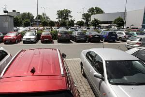 Ilustrační snímek. Parkování