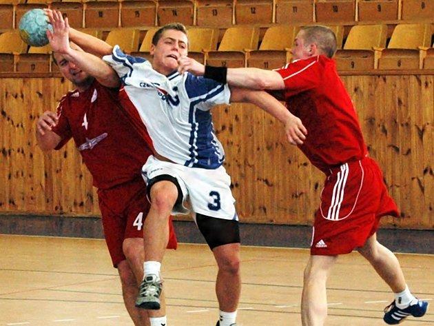 V utkání II. ligy proti Bělé p. B. se opět prosadil Jiří Brecko, který vstřelil 12 branek Loun.