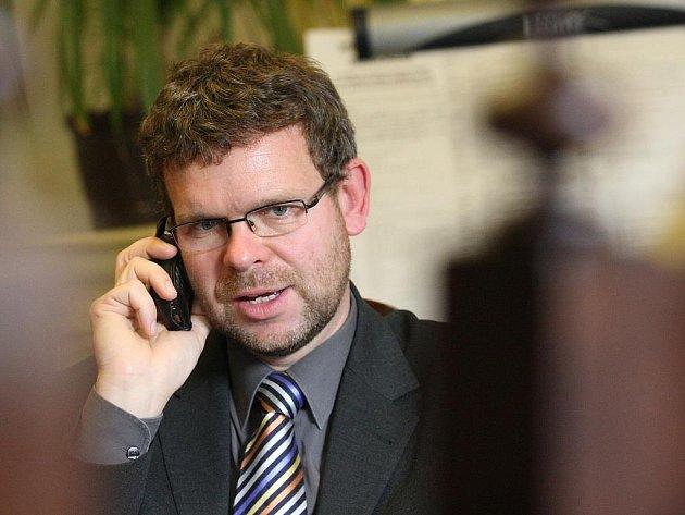 Jan Kerner, starosta Loun, ve své pracovně
