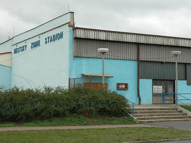 Zimní stadion v Lounech.