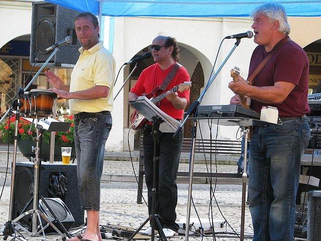 Žatecké kulturní léto zahájila kapela Funny orchestra Jaroslava Kleina