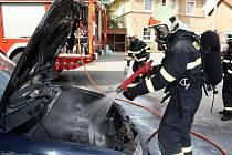 Požár osobního vozu ve Velké Černoci