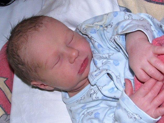 Matěj Liška se narodil 3. května 2017 v 10.25 hodin rodičům Veronice Tučkové a Zdeňkovi Liškovi z Loun. Vážil 3400 gramů a měřil 51 centimetrů.